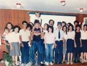 "Con un grupo de tercer año del Liceo N ° 1 de Salto,  que representó ""Canillita"" de F. Sánchez, en 1986."